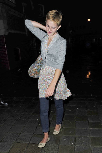 "Emma Watson Emma Watson, showing off her cute pixie 'do, leaves Bungalow 8 after going out with friends. The actress has just arrived back in London after being away with family. Earlier in the night, the ""Harry Potter"" star went for dinner at Mexican restuarant Cafe Pacifico in Covent Garden."