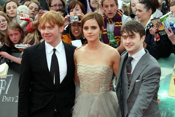 """Daniel Radcliffe Emma Watson Premiere """"Harry Potter and The Deathly Hallows part 2"""" at Trafalgar Square in London"""