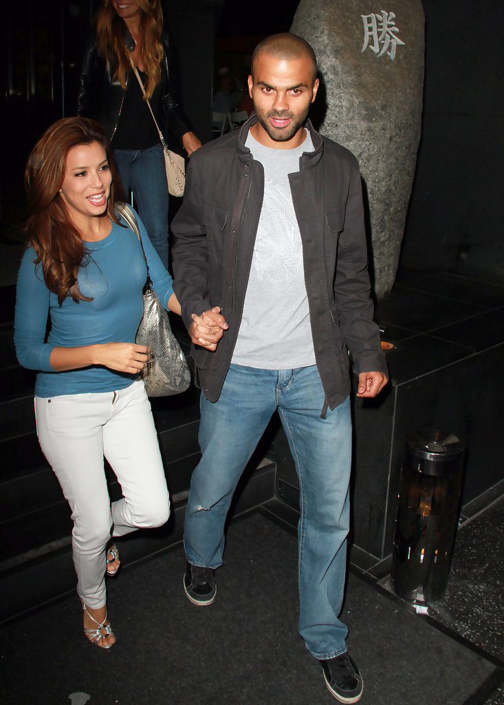 Eva+Longoria+husband+Tony+Parker+hold+hands+ek6QSXB4TsXx.jpg