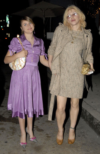 File Kurt Cobain Courtney Love And Frances Bean Zimbio