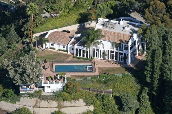 photo: house/residence of cool friendly talented  7800 million earning Los Angeles, California, United States-resident
