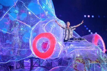 Fatboy Slim George Michael performs during the closing ceremony of the London 2012 Summer Olympic Games