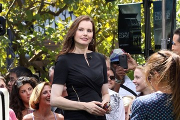 Geena Davis Celebs Shopping at the Grove in LA 2