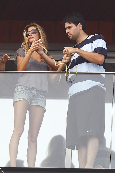 tom brady headband picture. Tom Brady and Gisele Bundchen