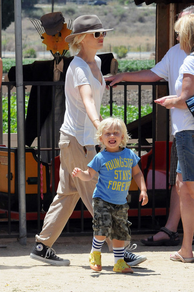 Gwen Stefani and son Zuma are seen walking around during a family day out at Underwood Farms. Stefani took her kids Kingston and Zuma out for a fun filled day of walking the farms, eating produce, and Zuma getting a horse ride.