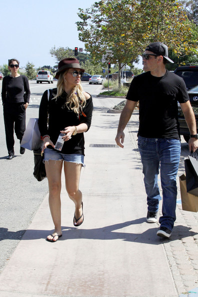 Hilary+Duff in Hilary Duff and Mike Comrie Shop in Malibu