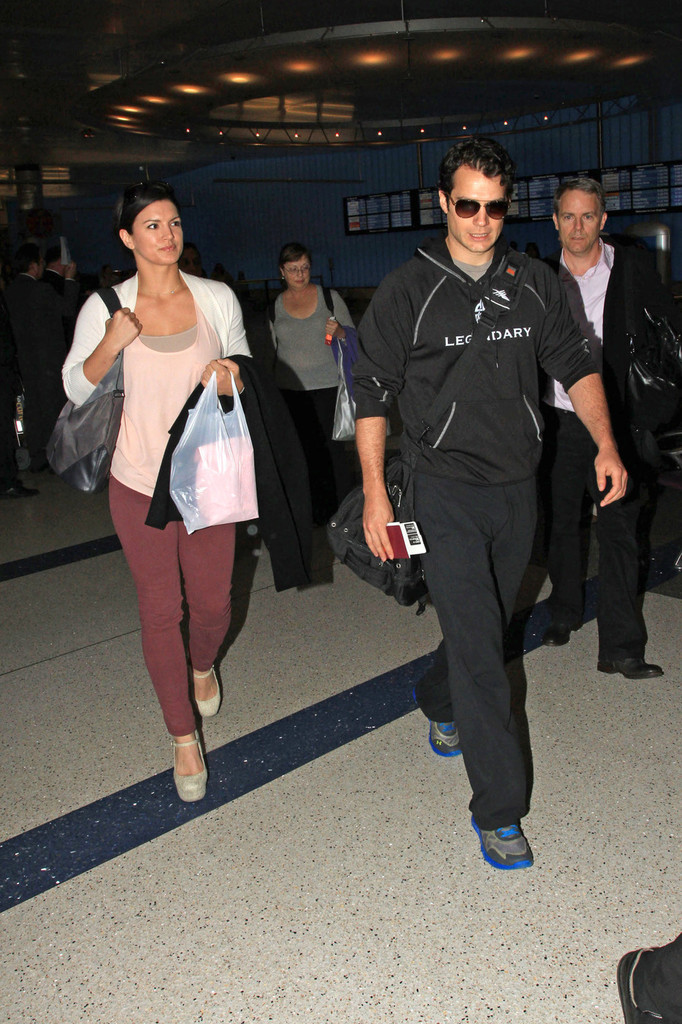 Henry Cavill Arrives In LA With His Girlfriend Zimbio
