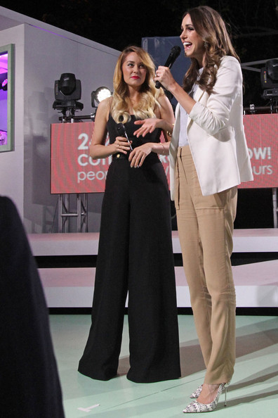 Lauren conrad hosts the cotton 24 hour runway show in for Runway club miami