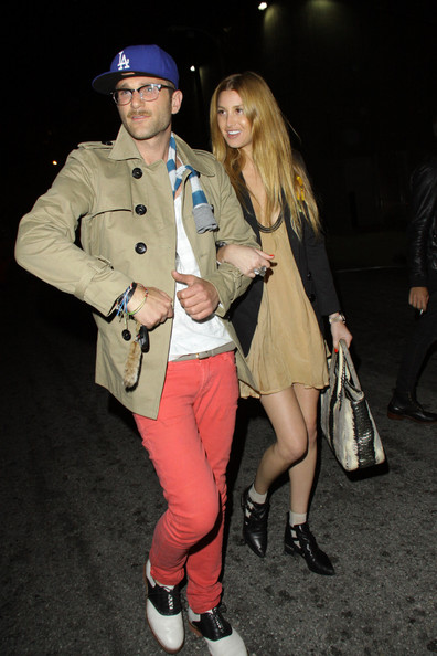http://www3.pictures.zimbio.com/pc/Hills+star+Whitney+Port+sporting+ankle+boots+CmEDOb1IkLhl.jpg