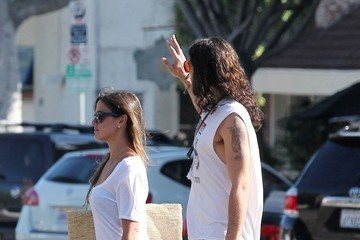 Isabella Brewster Russell Brand and Girlfriend Shop in LA