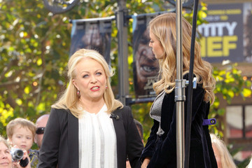 Jackie Weaver Celebs on Extra at the Grove
