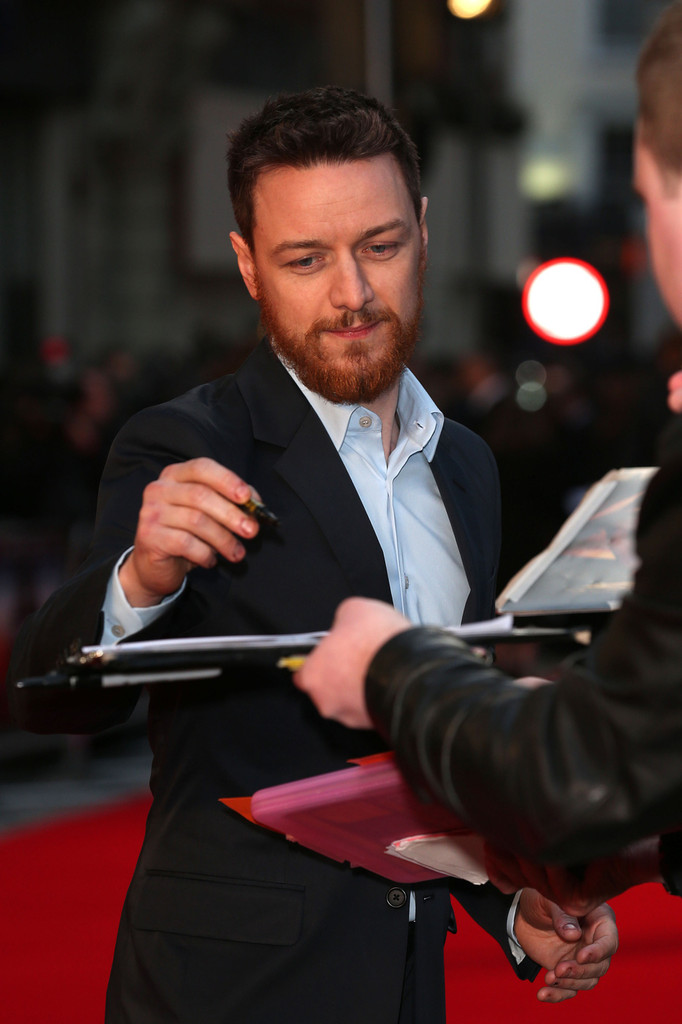 http://www3.pictures.zimbio.com/pc/James+McAvoy+Trance+Premieres+London+5+D45MZhlvmQmx.jpg