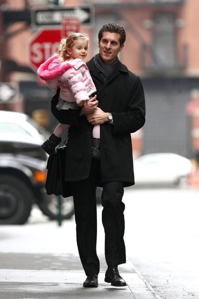 jason hoppy carries bryn around nyc zimbio