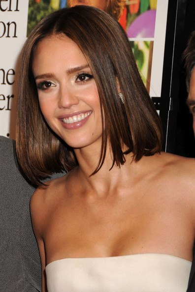 jessica alba fashion style. Jessica Alba is white hot in