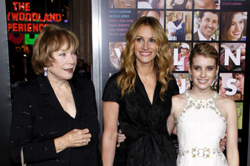 "Julia Roberts Shirley MacLaine Jessica Biel at the Los Angeles premiere of ""Valentine's Day"""