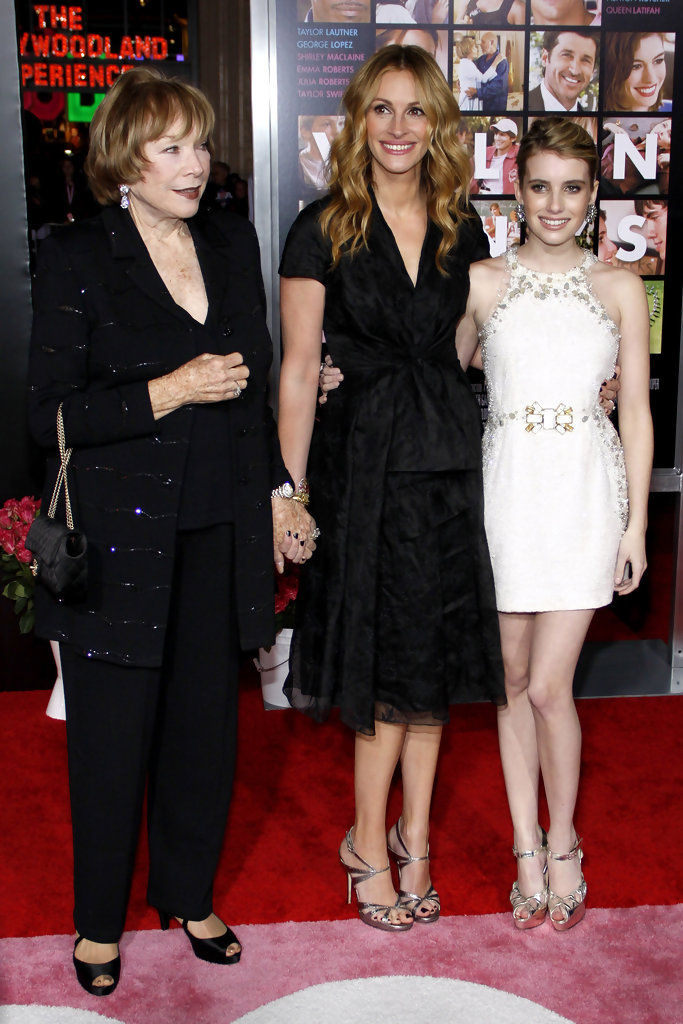Julia Roberts and Emma Roberts Photos Photos - Jessica ...