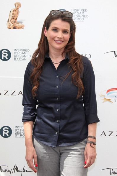 Julia Ormond - Gallery Colection