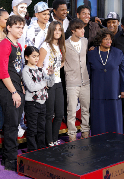 Justin Bieber - The Michael Jackson Hand and Footprint Ceremony in LA
