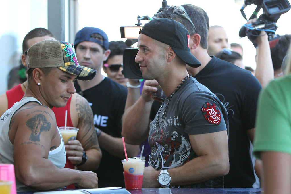 jersey shore guys Credit : mtv of 9 how tall is the jersey shore casthow tall is the jersey shore castmtv how tall is ronniehow tall is ronniecelebrity heights claims that ronnie.