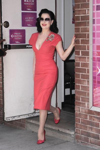 Sexy New Pictures Of Dita Von Teese In Red Dita Von Teese Zimbio