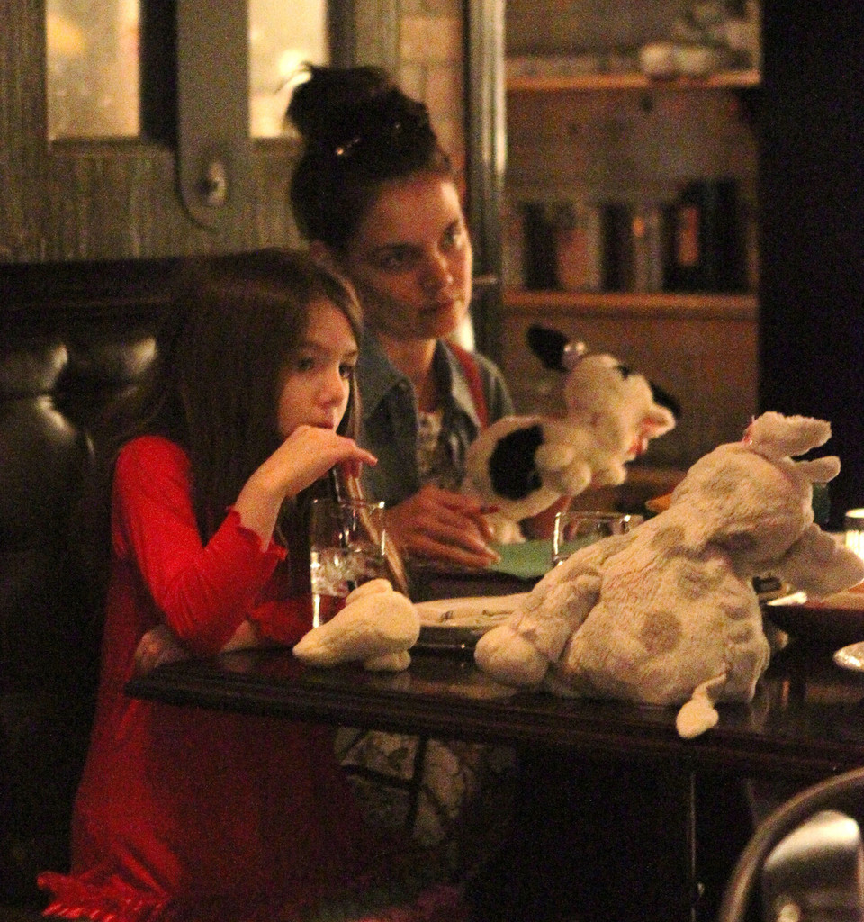 Katie Holmes And Suri At Dinner In NYC
