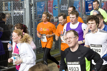 Daniel Price Katie Price Runs the Silverstone Half Marathon