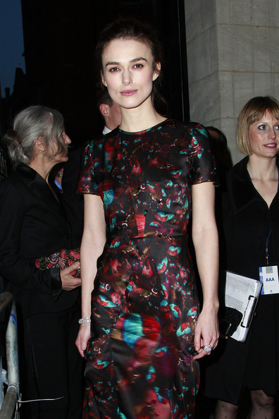 http://www3.pictures.zimbio.com/pc/Keira+Knightley+Keira+Knightley+Laurence+Olivier+BWZNFp_0V9jl.jpg