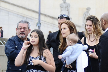 Ella Travolta Kelly Preston and Family at the Eiffel Tower