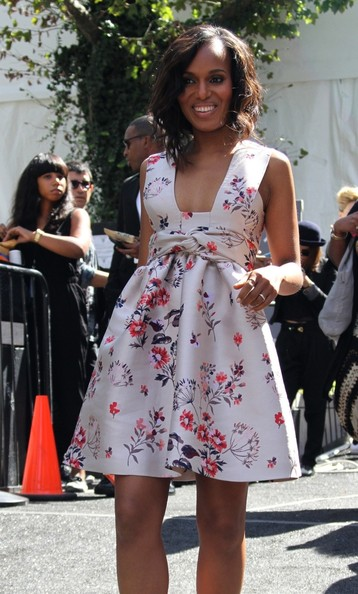 Kerry Washington is all smiles as she leaves the 'Project Runway' show at New York Fashion Week on September 6, 2013.