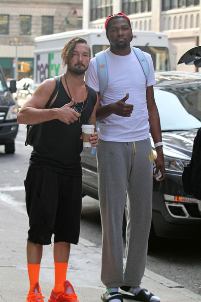 Kevin Durant Carl Lentz Kevin Durant Photos Kevin Durant Hangs Out With Carl Lentz Zimbio