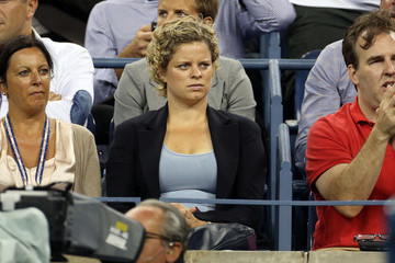 Kim Clijsters Sanya Richards Ross, gold medalist in the 400m in track-and-field at the Olympic Games in London watches Andy Roddick against Juan Martin Del Potro before the match was postponed because of rain at the US Open 2012