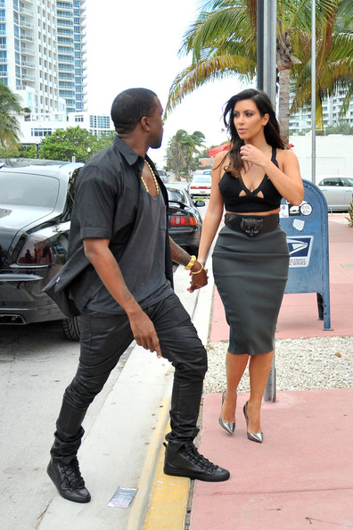 Kim Kardashian - Kim Kardashian and Kanye West in Miami 2