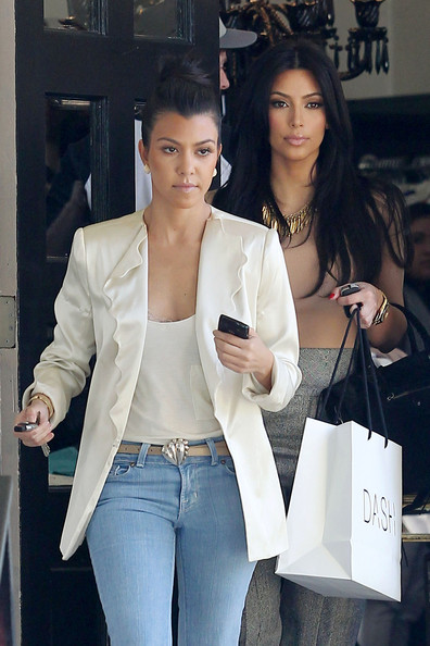 http://www3.pictures.zimbio.com/pc/Kim+Kourtney+Kardashian+seen+out+shopping+C4OSb2T8ydyl.jpg
