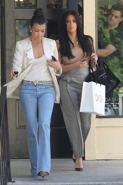 http://www3.pictures.zimbio.com/pc/Kim+Kourtney+Kardashian+seen+out+shopping+my9D-CX3XjIl.jpg