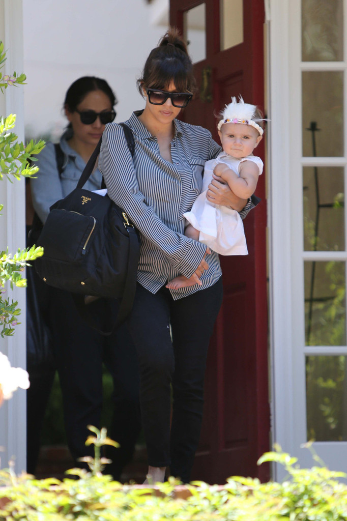 Kourtney Kardashian - Kourtney Kardashian Spends the Day with Penelope