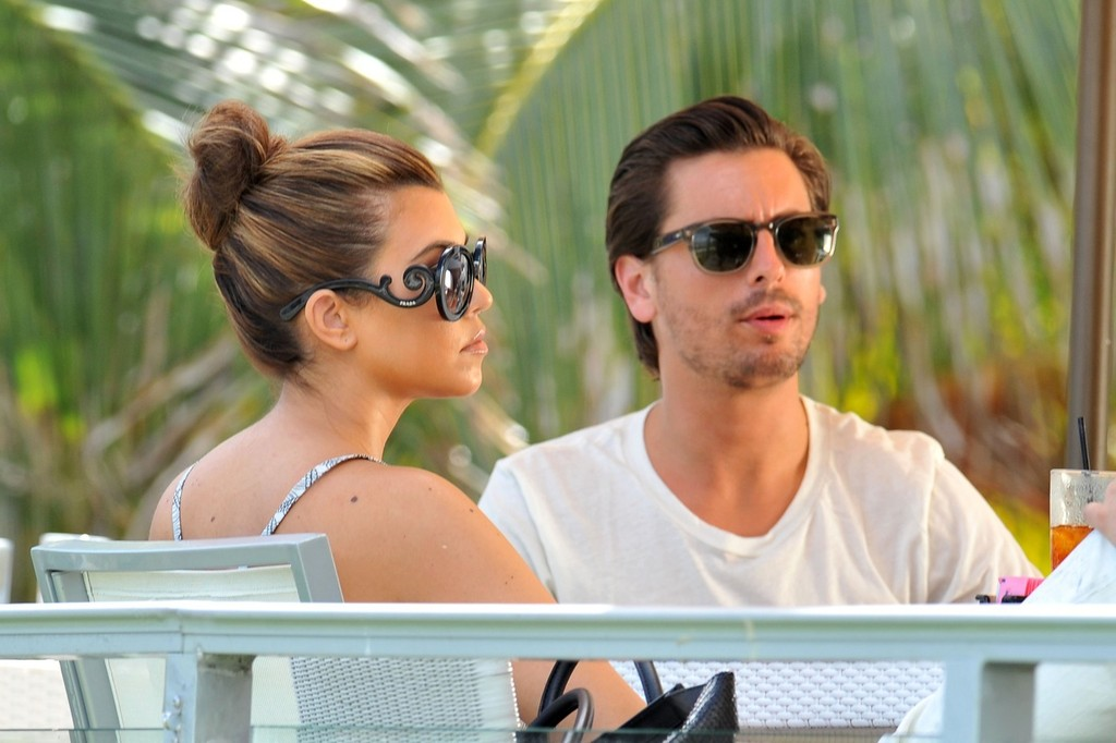 Kourtney kardashian and scott disick do lunch with rob for What does kourtney kardashian do