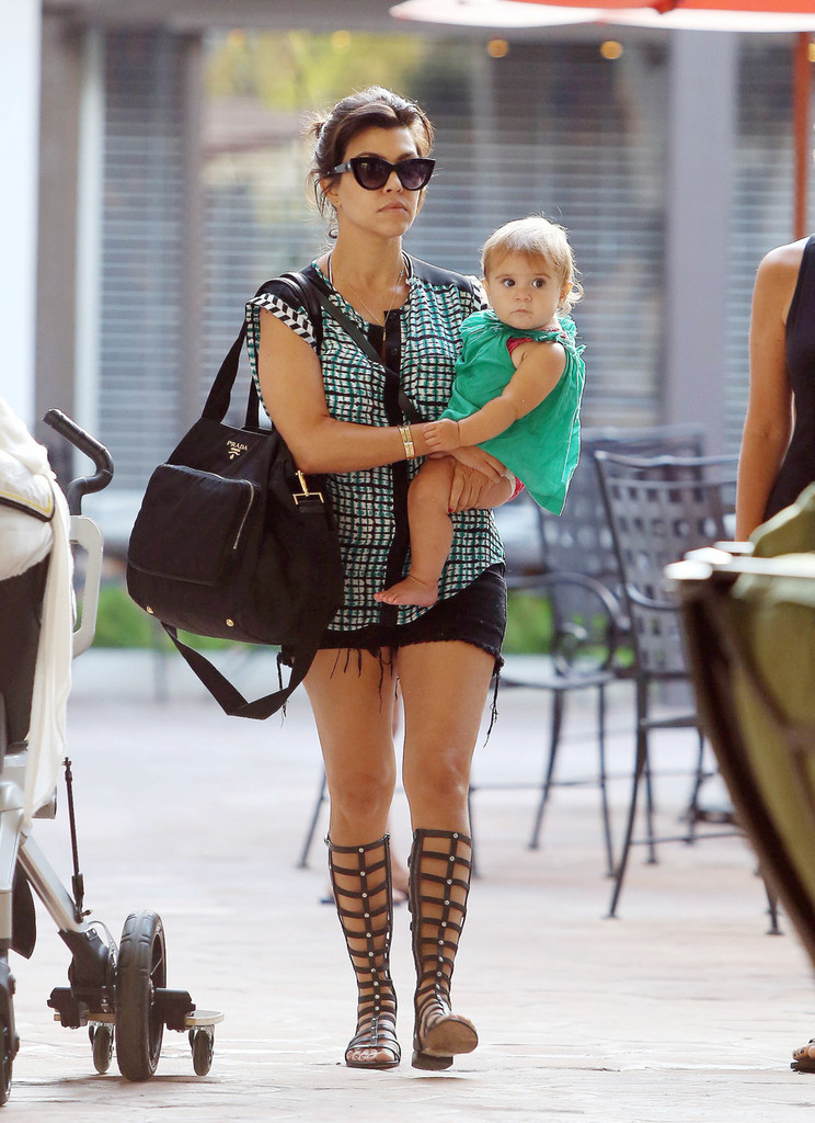 Kourtney kardashian and family do lunch 14 of 39 zimbio for What does kourtney kardashian do