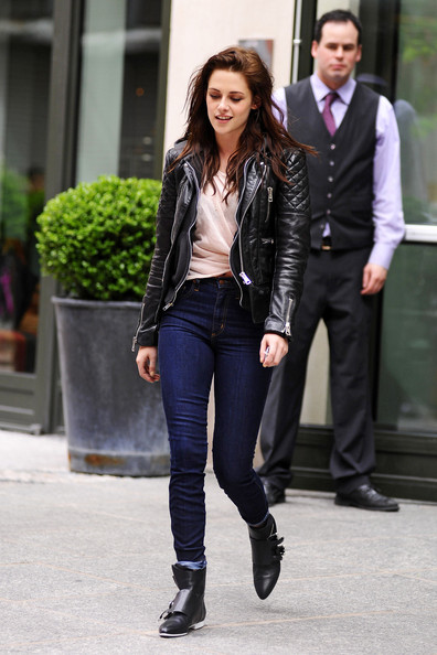 Kristen Stewart Out And About In Nyc 5 Of 12 Zimbio