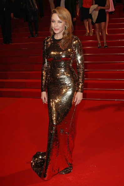 Kylie photos > candids, shoots, eventos... - Página 11 Kylie+Minogue+Kylie+Minogue+Holy+Motors+Premiere+j1VKTtqtdswl
