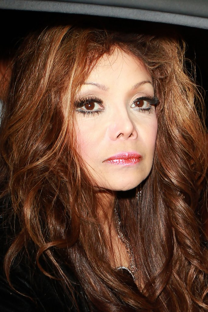 la toya jackson com la toya jackson in la toya jackson at Luxury Kitchen Design Ideas Kitchen Cabinet Colors