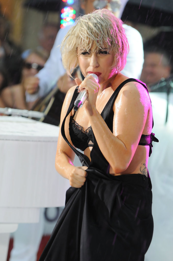 Lady gaga performs at rockefeller center in nyc pictures