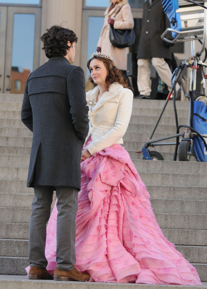 Leighton Meester - Leighton Meester and Penn Badgley Film 'Gossip Girl'