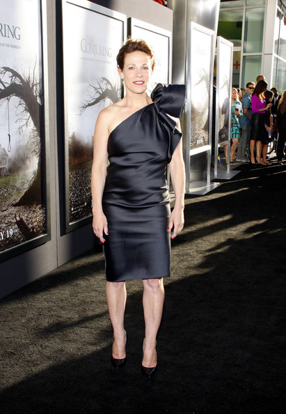 lili taylor height