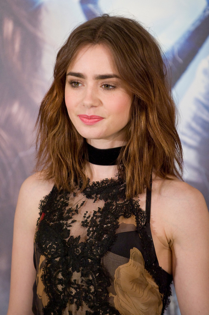 Gallery For > Lily Collins Haircut 2014