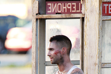 Maroon 5 Adam Levine Shoots the 'Payphone' Music Video in LA