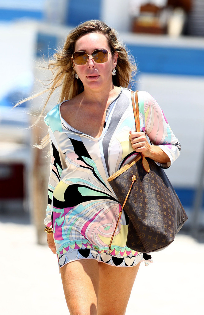 Mercedes Benz Of Miami >> Marysol Patton enjoys a day at the beach with her husband Phillipe Pautesta in Miami 1 of 26 ...