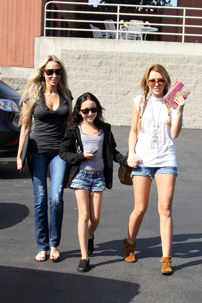 Miley Cyrus Miley Cyrus visits Paty's Restaurant in Toluca lake for breakfast. She was joined by her mother Tish and younger sister Noah.