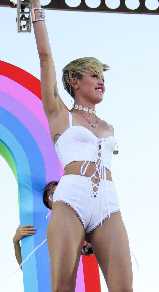 Miley Cyrus Miley Cyrus Photos Miley Cyrus at the