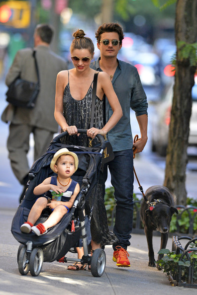 Miranda Kerr and Orlando Bloom Photos Photos - Orlando ... Orlando Bloom And Miranda Kerr Baby Flynn 2013