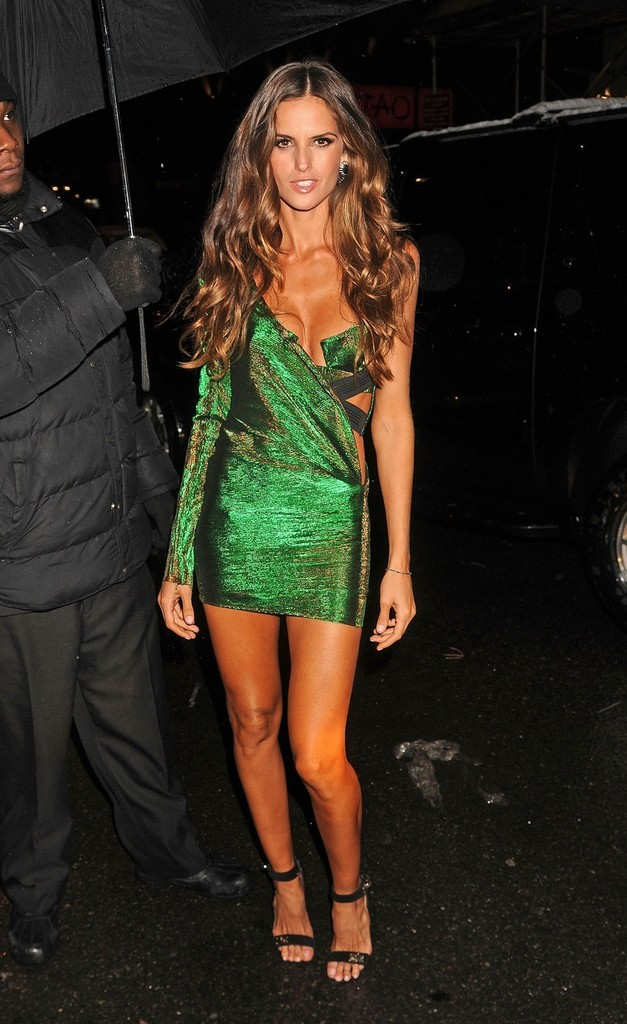 Izabel Goulart Photos Photos Celebs Arrive At The
